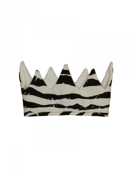 noeandzoe_lewardrobe_crown_black_mointatins